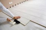 Как положить ламинат на бетонный пол