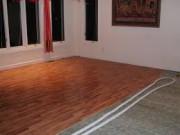Как уложить ламинат своими руками на деревянный пол