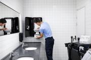 Революционная инновация позволяет туалетным комнатам с высокой проходимостью справляться с большим наплывом посетителей